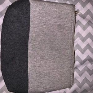 Forever 21 Bags - Forever 21 Cosmetic Bag